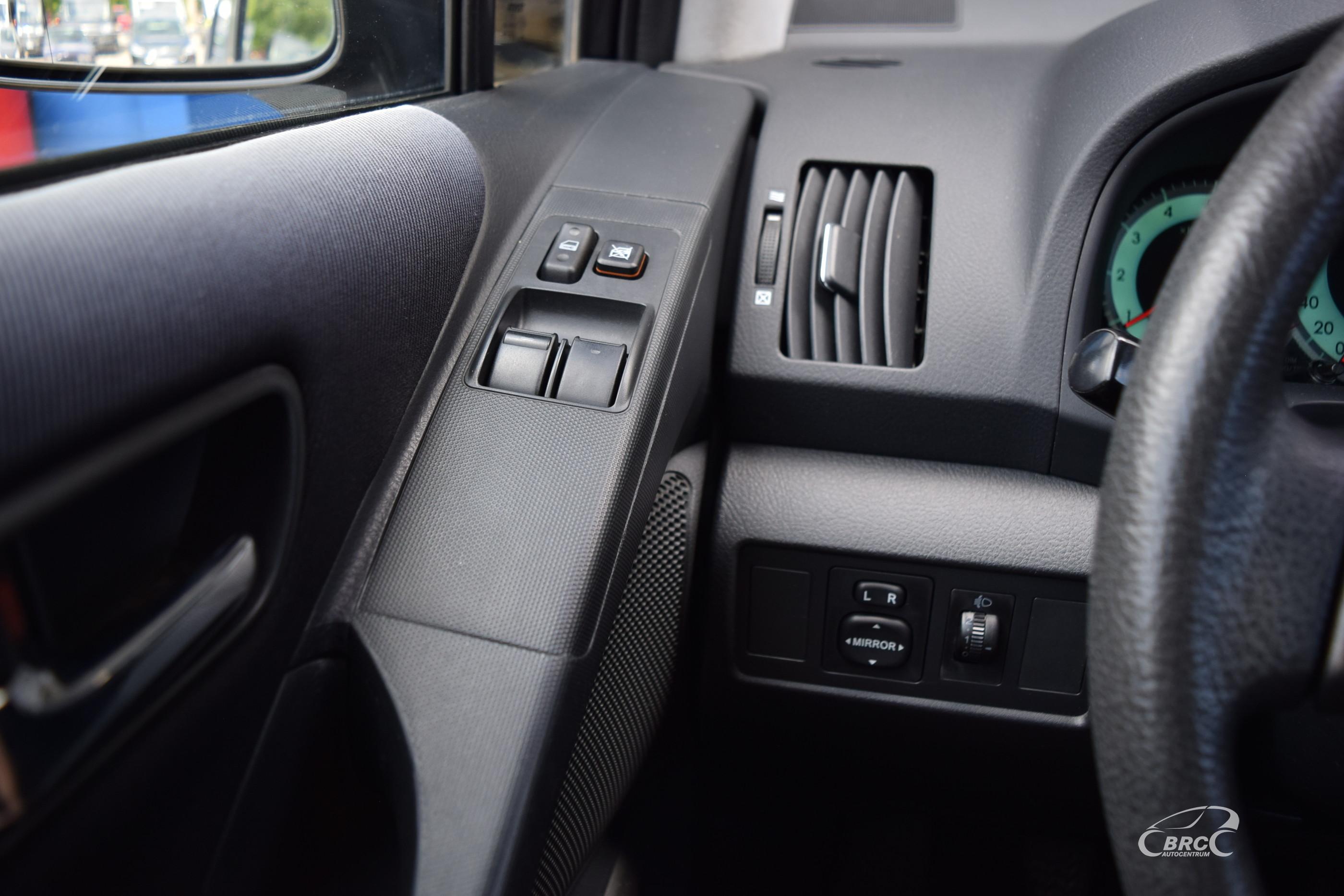 Toyota Corolla Verso D-4D M/T