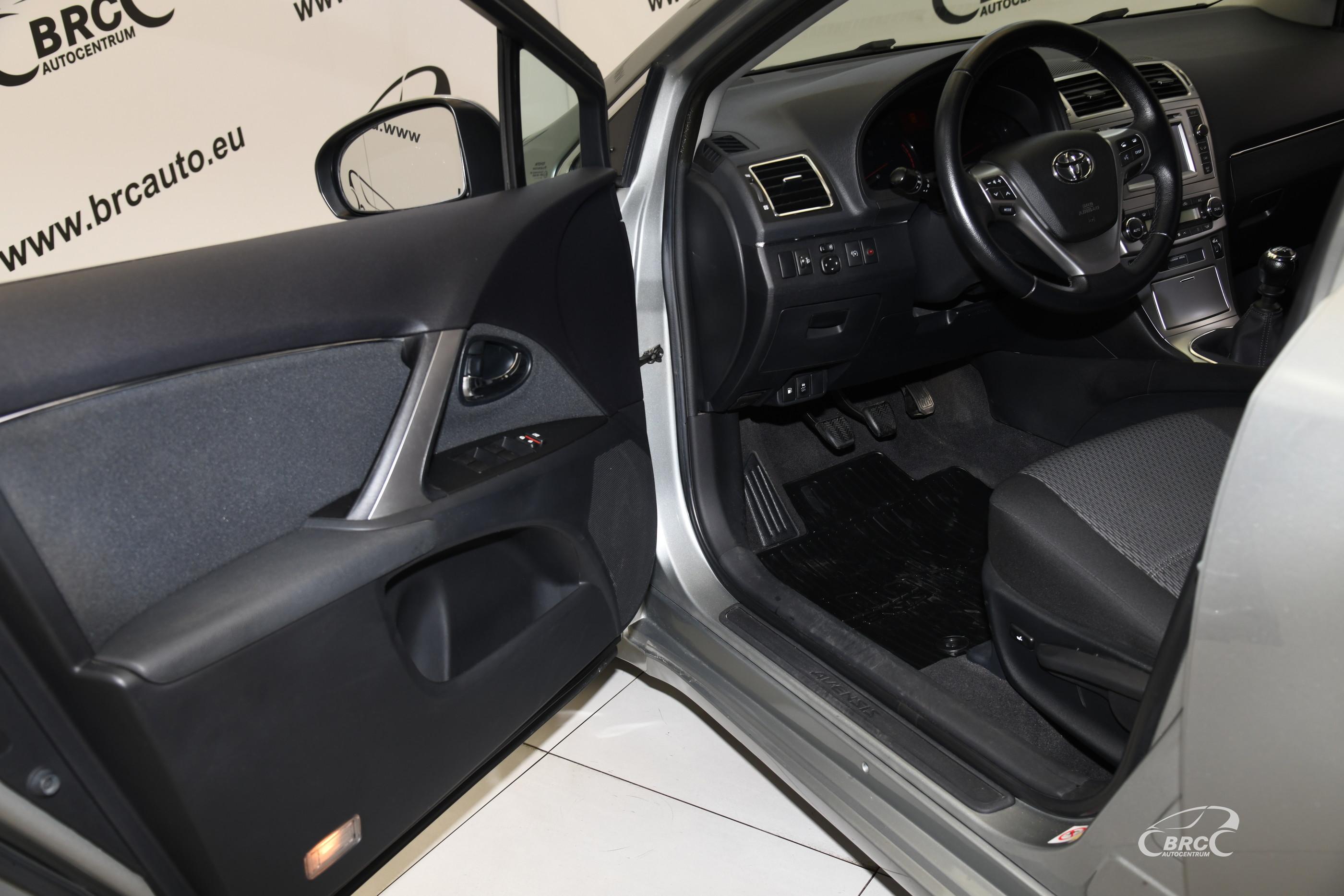 Toyota Avensis 2.0 D-4D Wagon Linea Sol