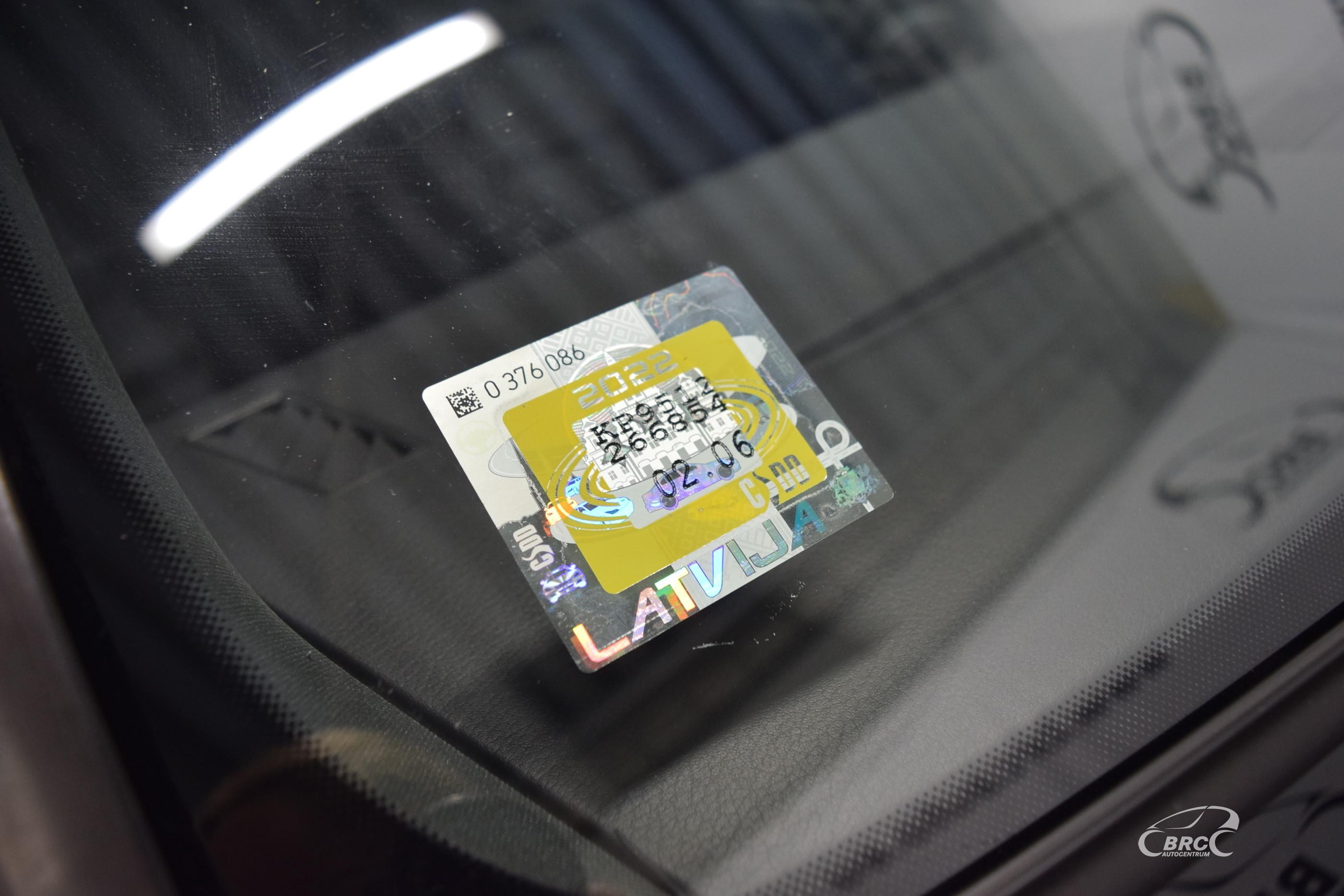 Audi A4 Avant S-Line TDi Quattro M/T