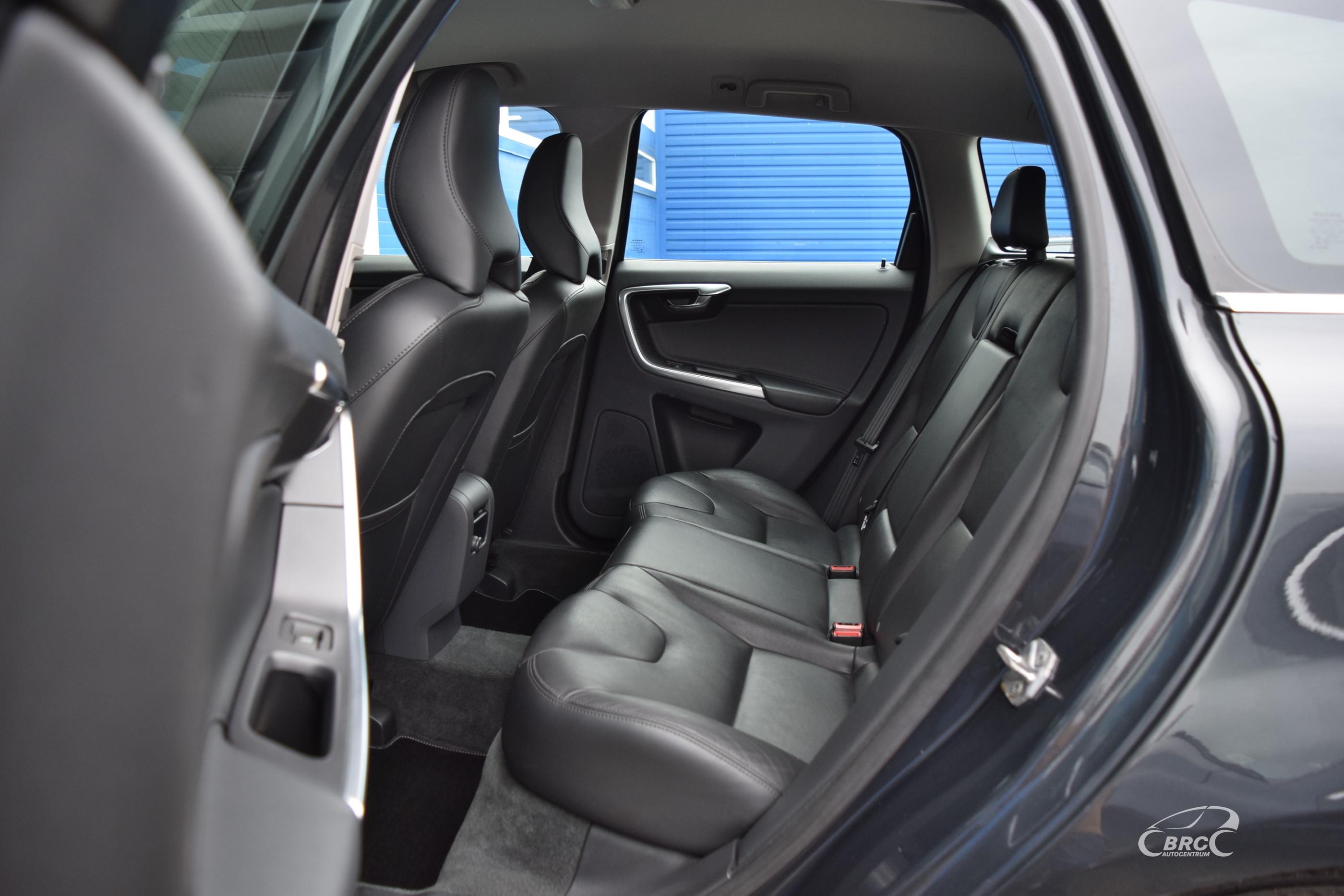 Volvo XC 60 D5 AWD Summum A/T