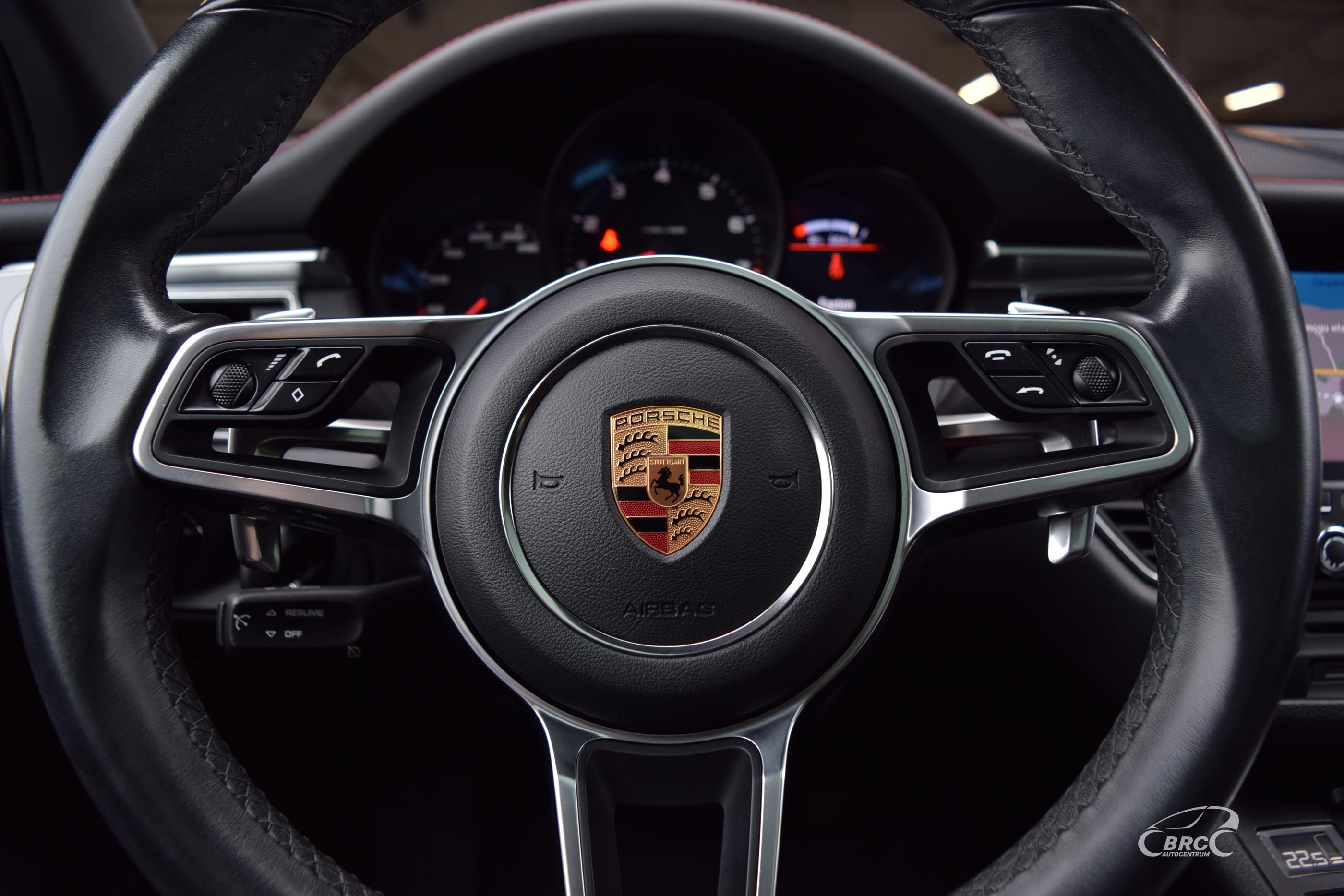 Porsche Macan A/T