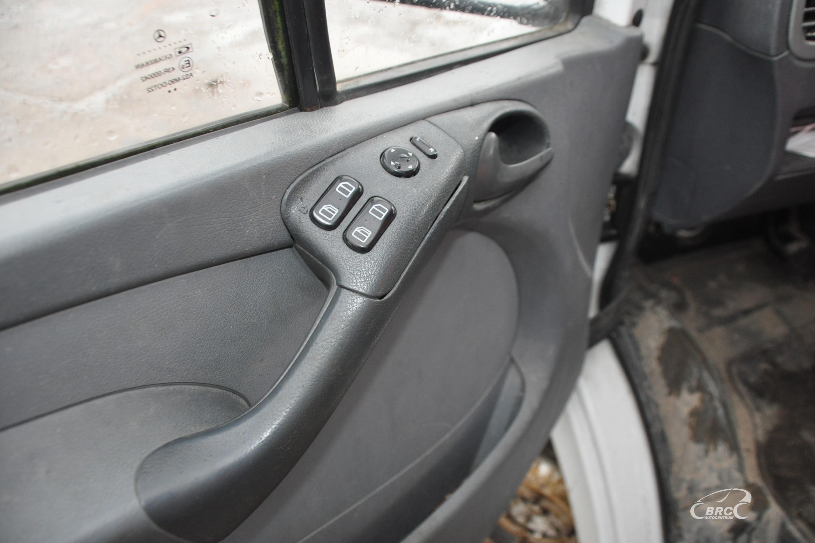 Mercedes-Benz 411 Sprinter