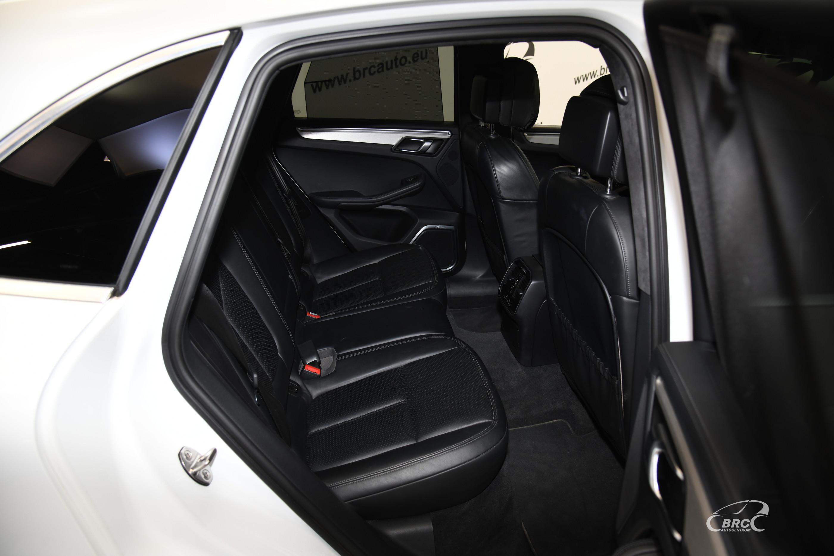 Porsche Macan Turbo PDK