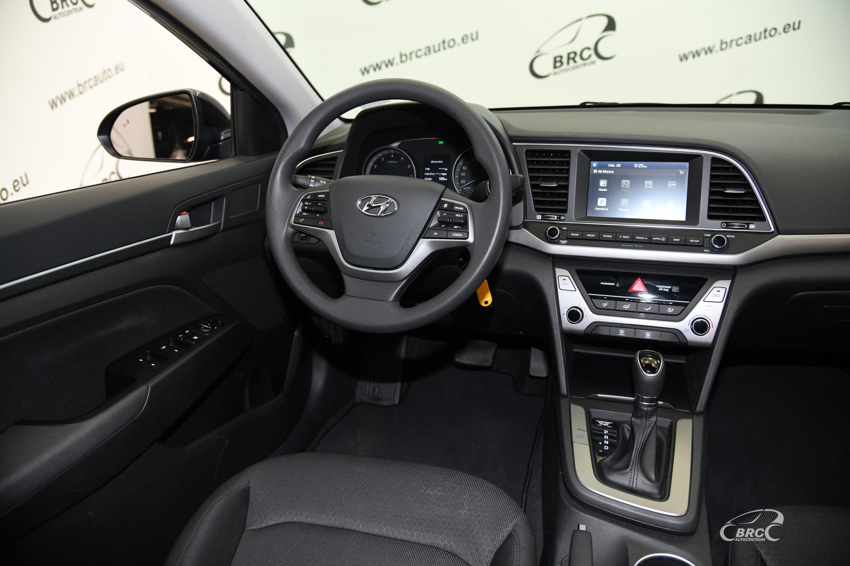 Hyundai Elantra 2.0i MPI Automatas