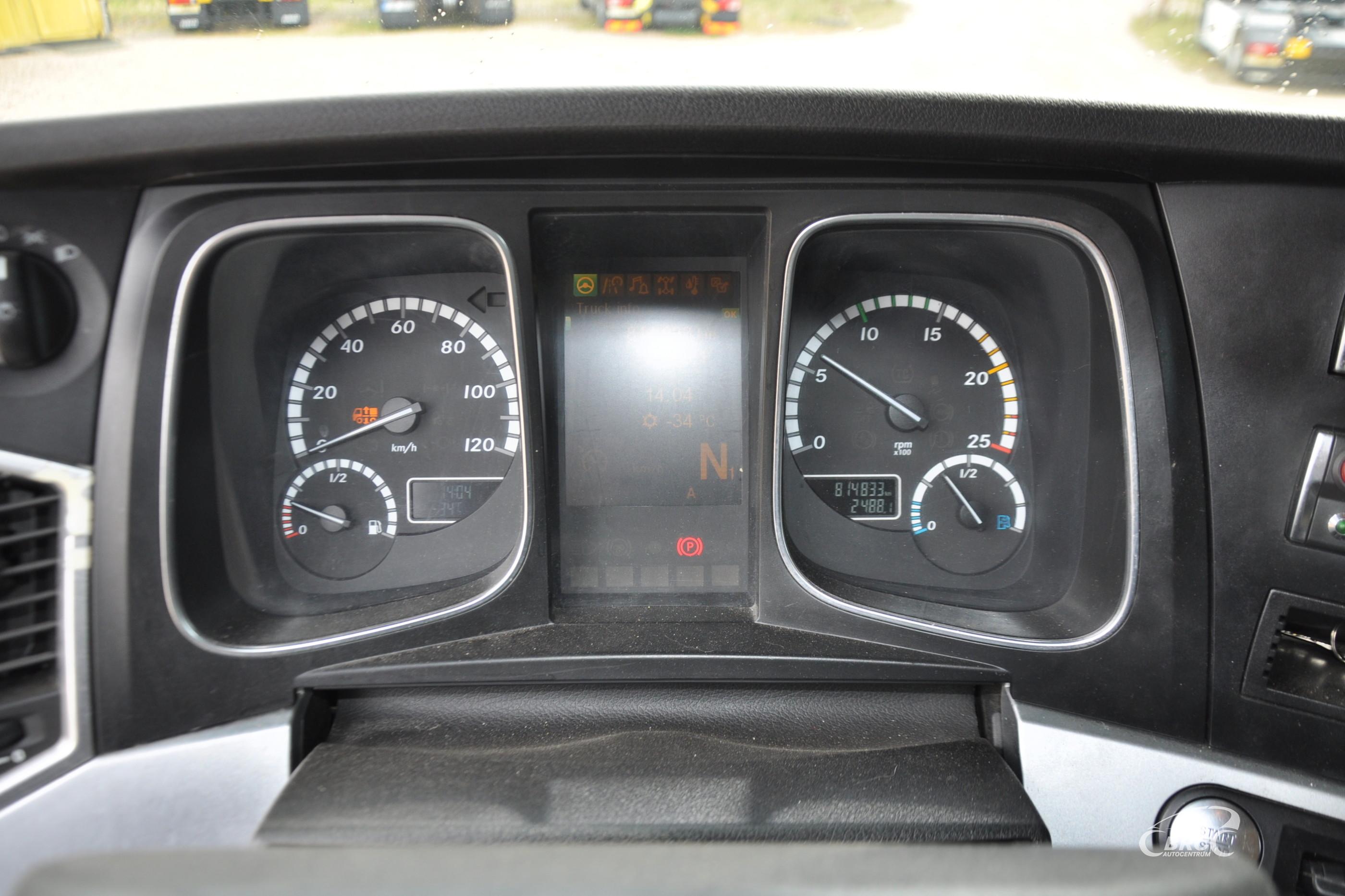 Mercedes-Benz Actros 2551 crane Ferrari F726