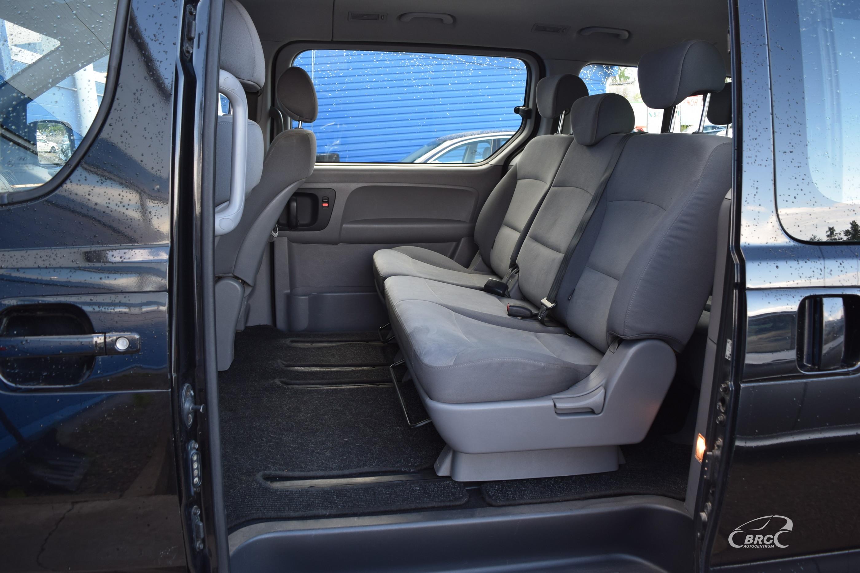 Hyundai H1 8 seats M/T