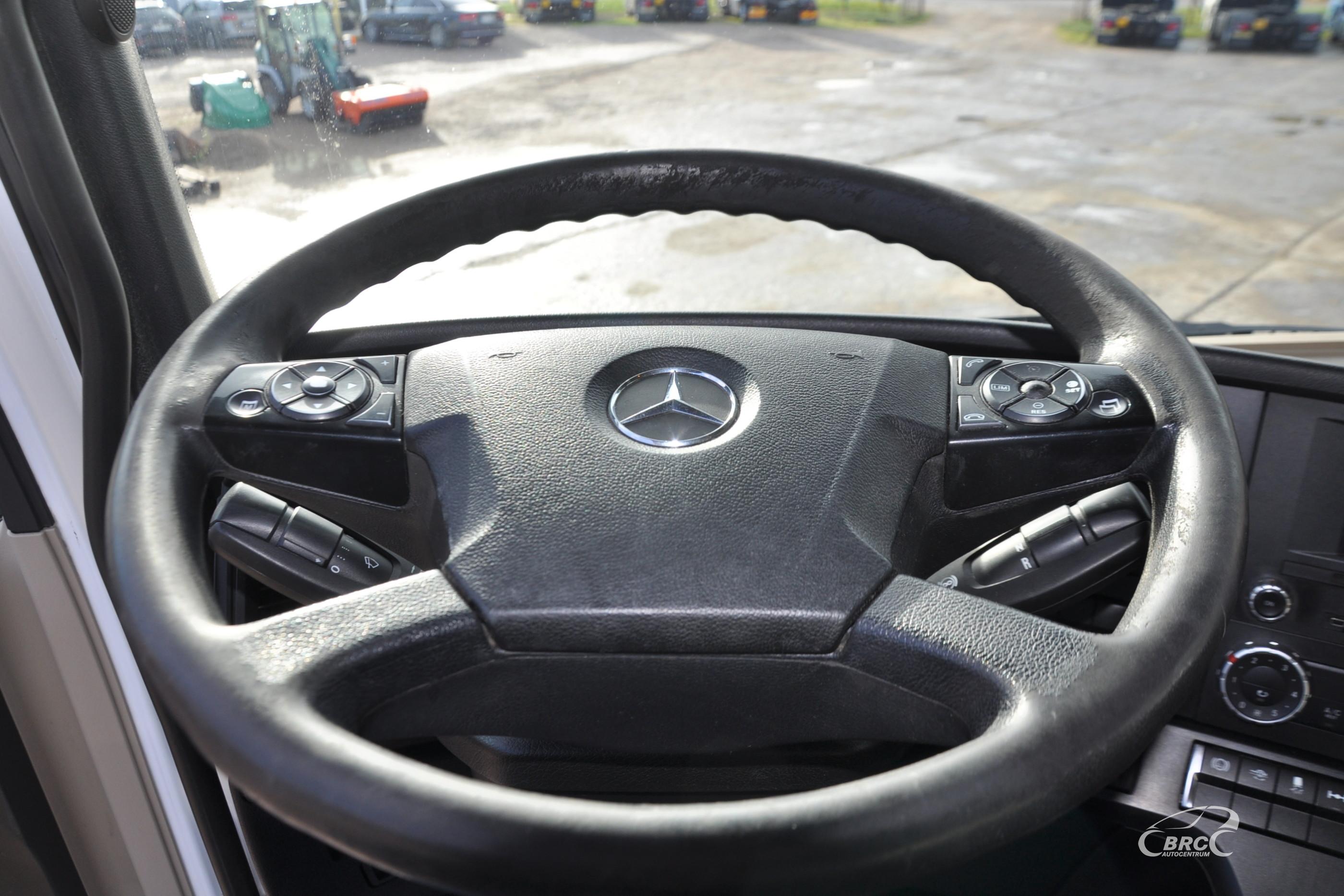 Mercedes-Benz 1842 Actros