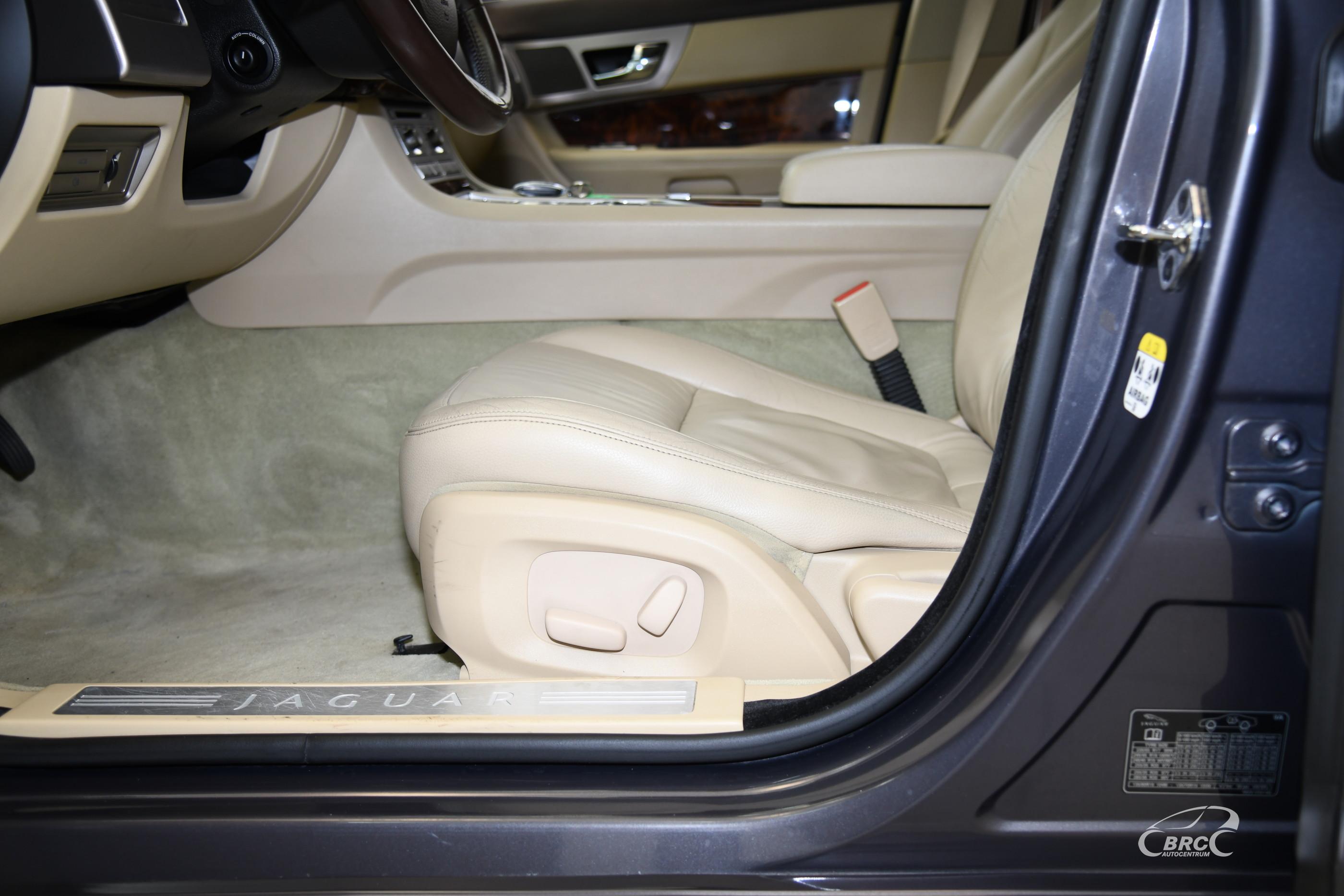 Jaguar XF 3.0d V6 Automatas