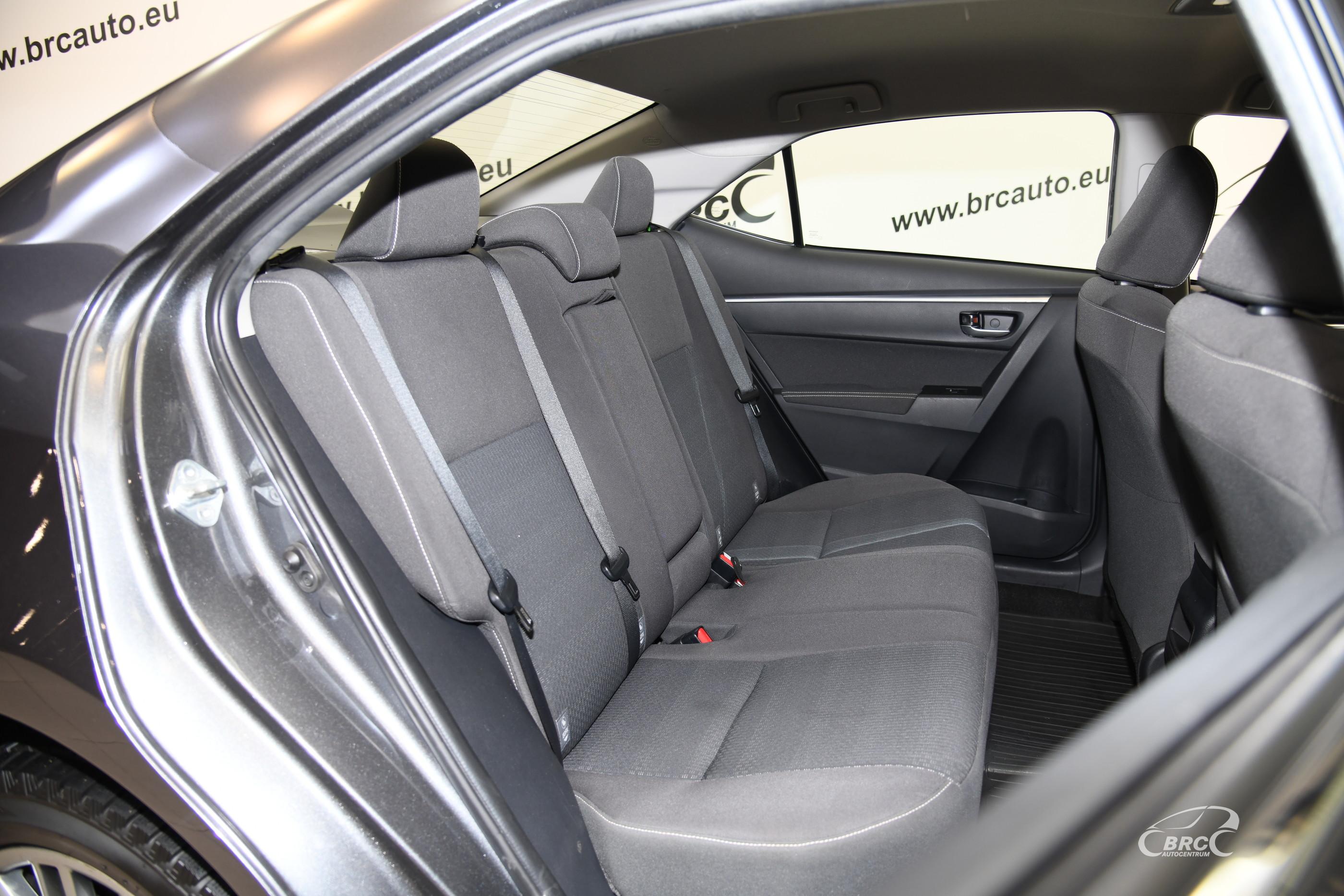 Toyota Corolla 1.6i Active Automatas