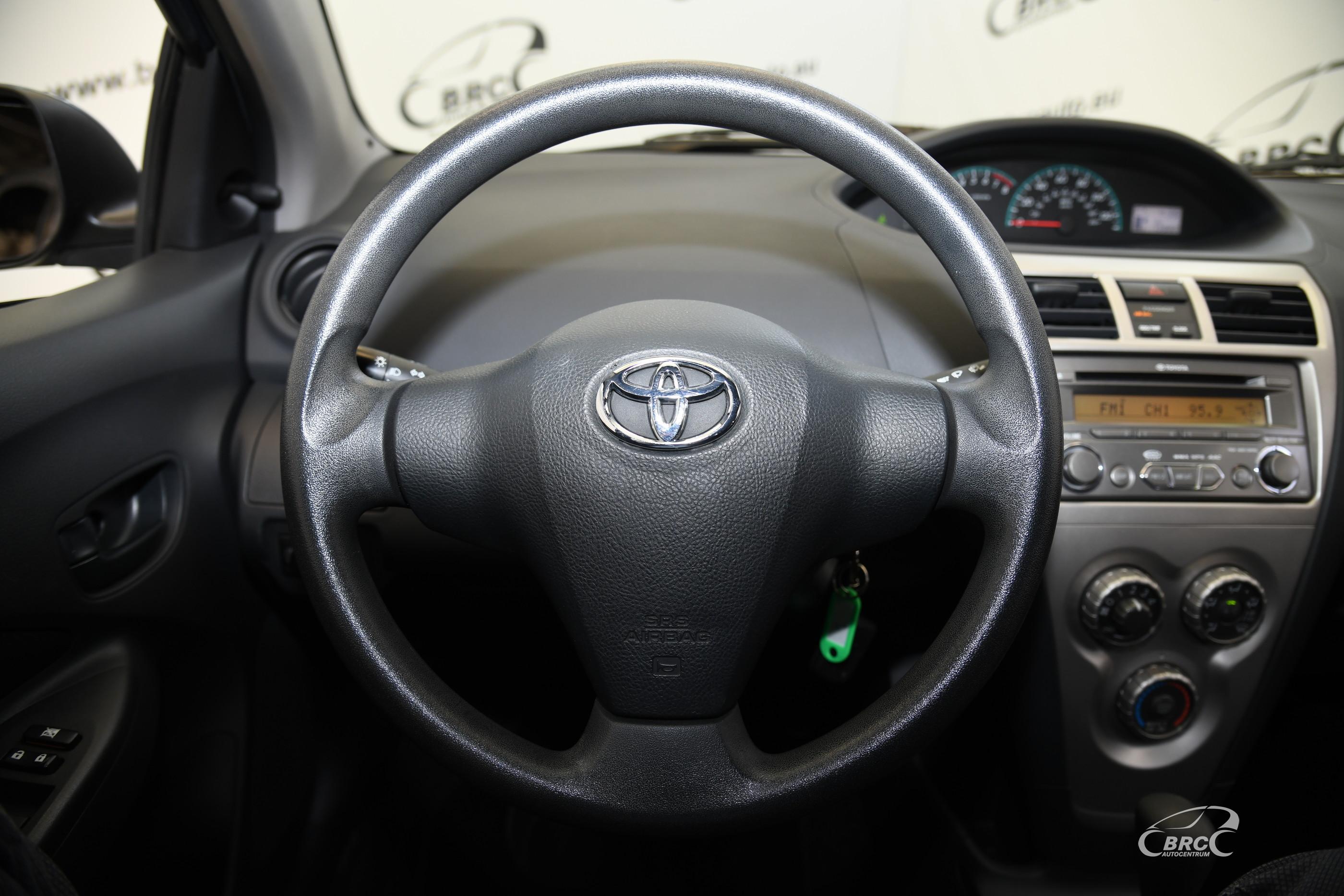 Toyota Yaris 1.5i Automatas