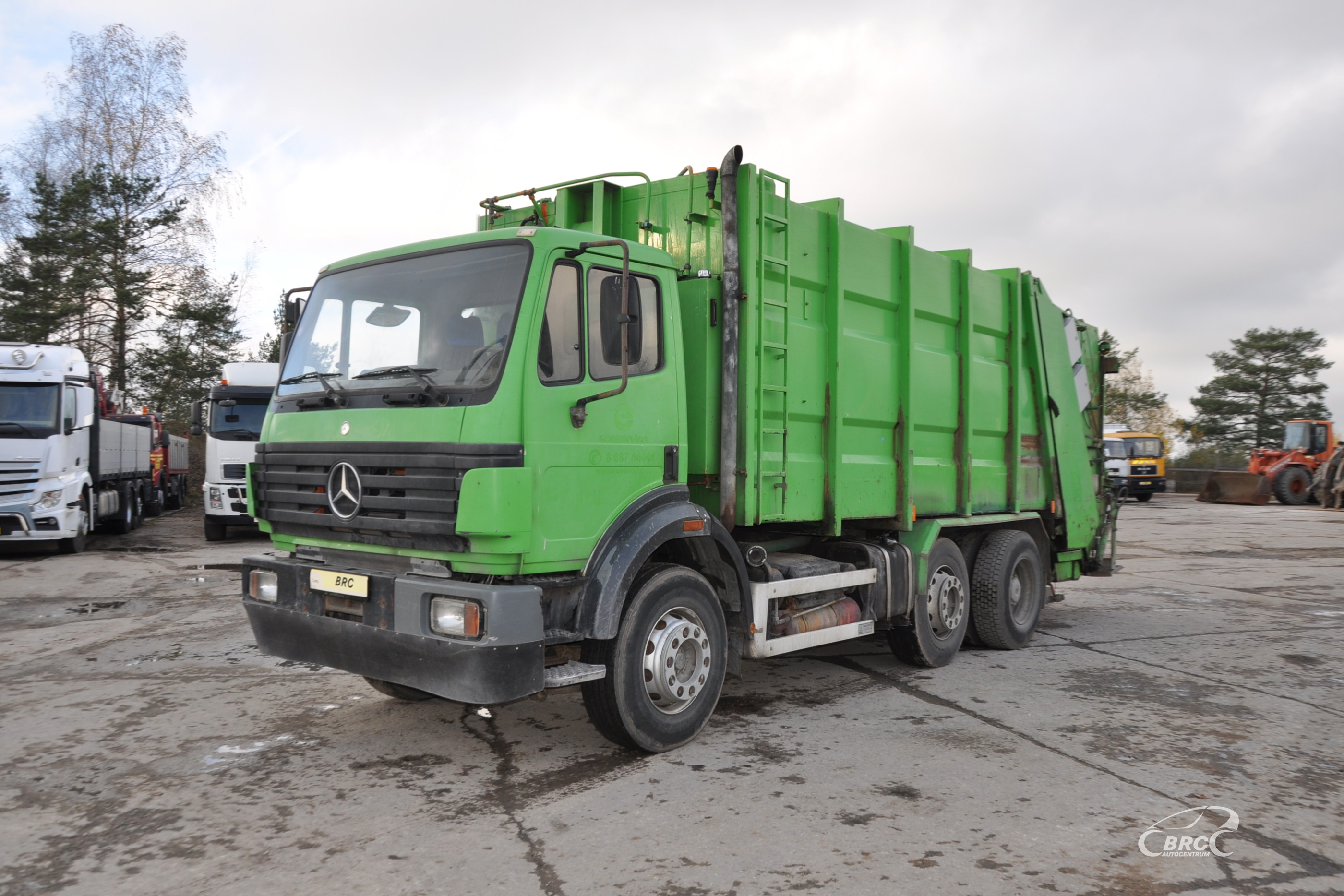 Mercedes-Benz 2324 Container cleaner