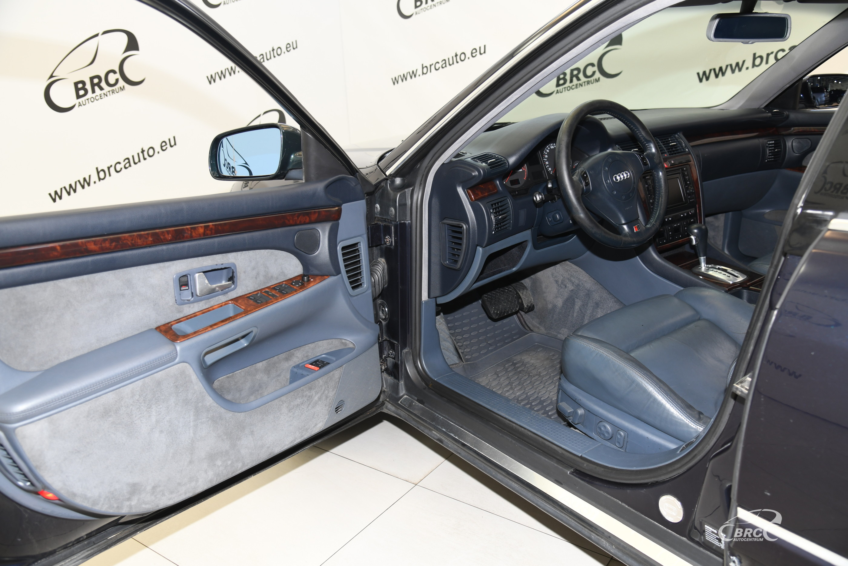 Audi A8 2.5 TDI D2 Automatas