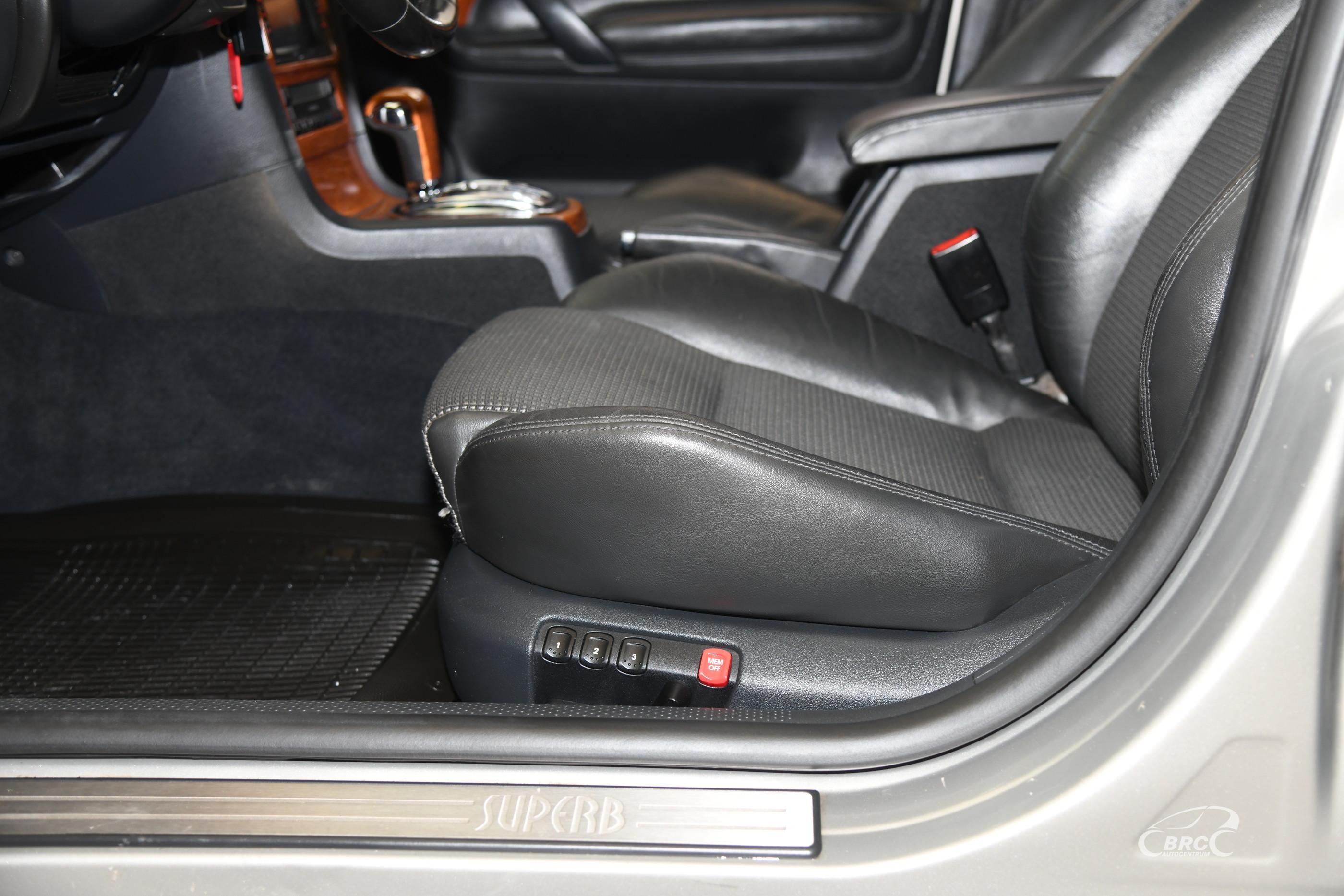 Skoda Superb 2.5 TDI V6 Automatas
