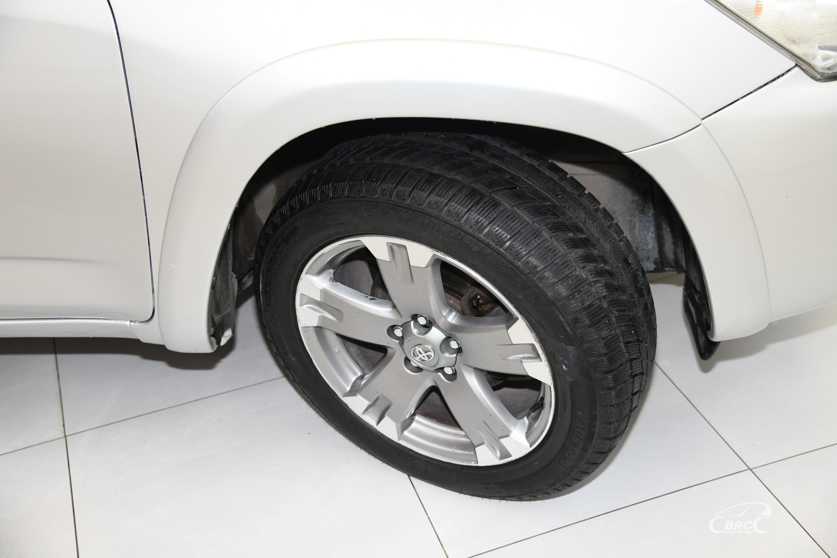 Toyota RAV 4 2.2 D-4D Automatas
