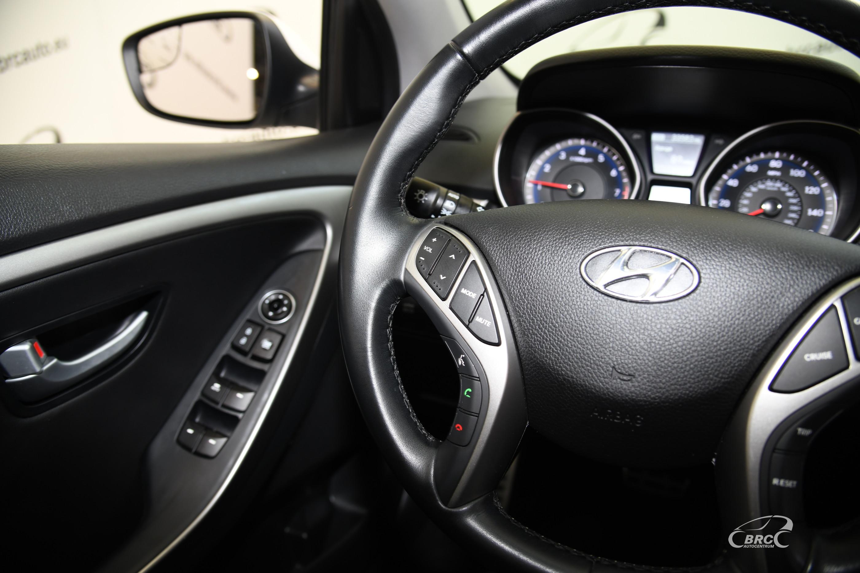 Hyundai i30 Elantra GT 2.0 GDi Automatas