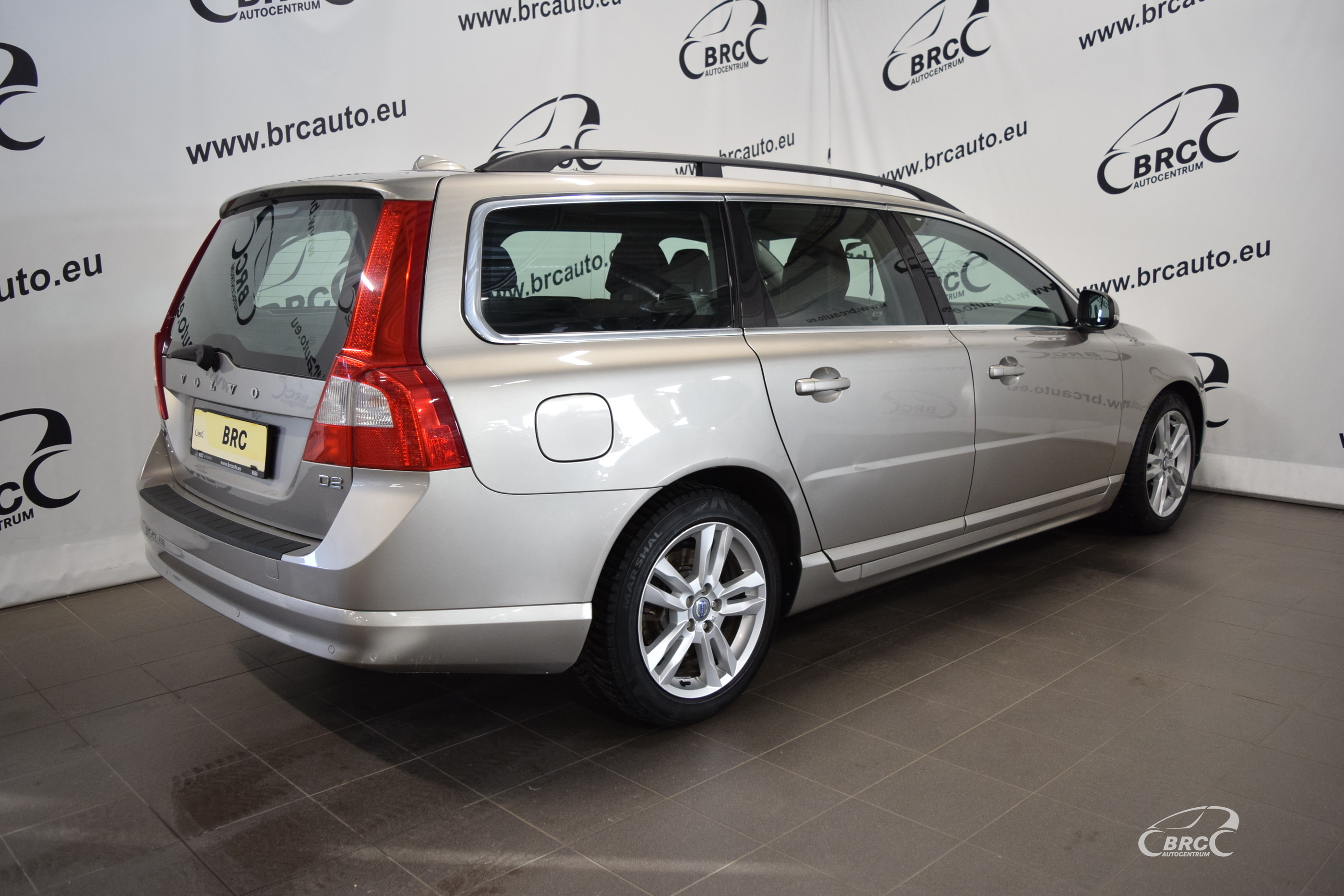 Volvo V70 D2 Momentum A/T