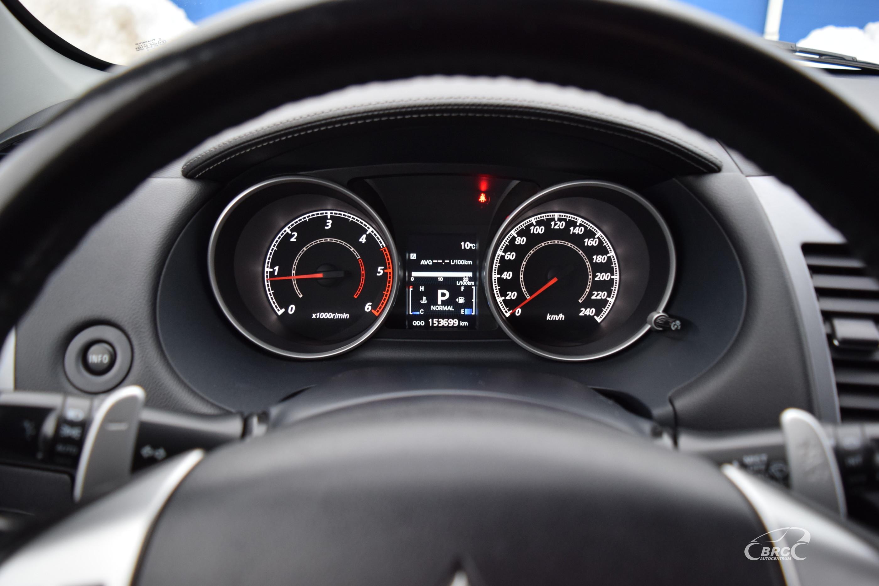 Mitsubishi Outlander 4WD A/T