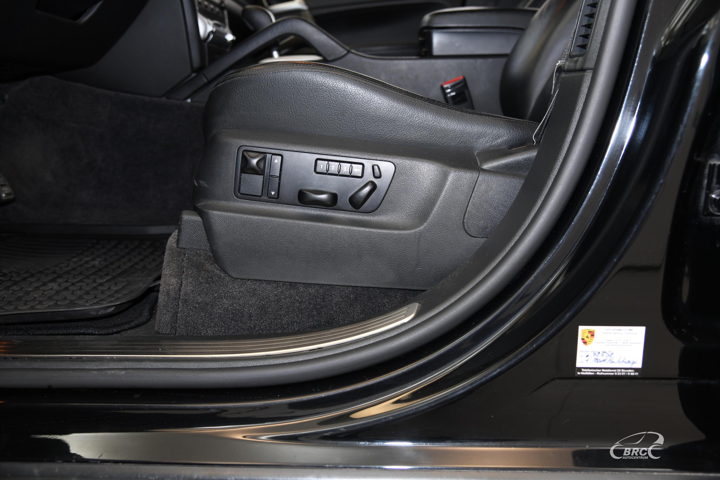 Porsche Cayenne Turbo Automatas