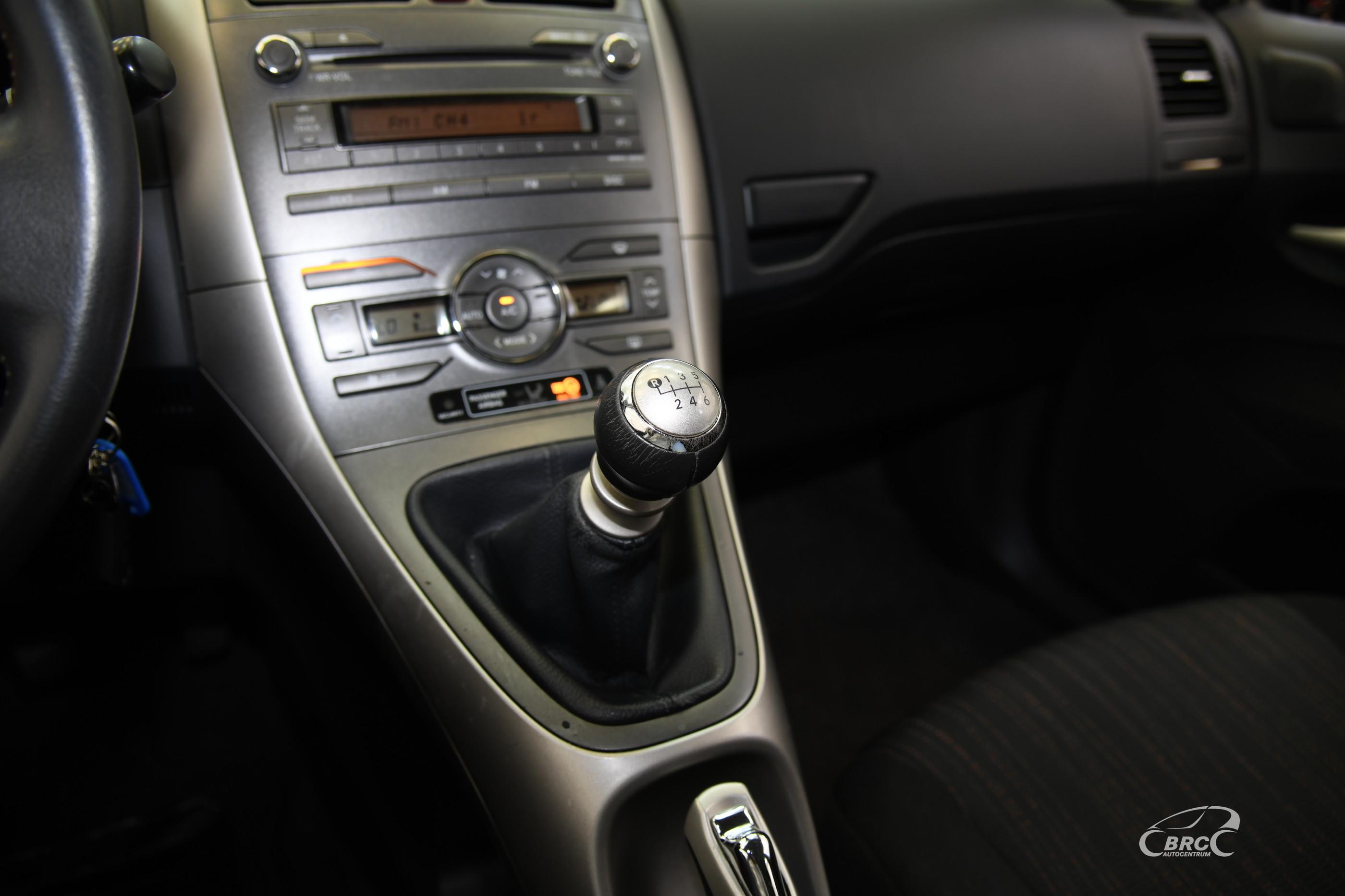 Toyota Auris 1.4 D-4D Linea Sol