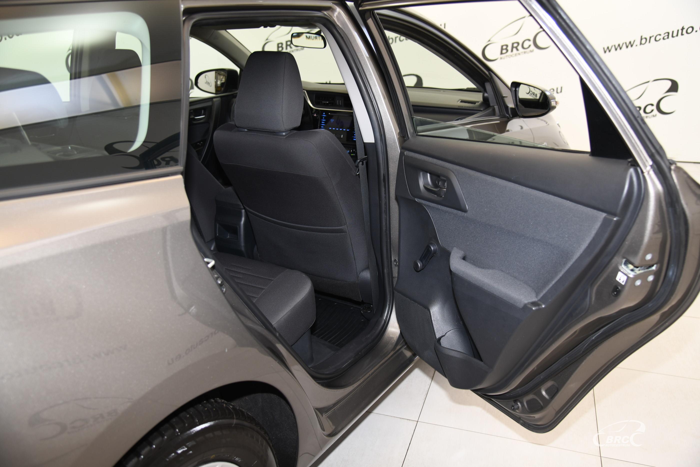 Toyota Auris 1.8 Hybrid Touring Automatas