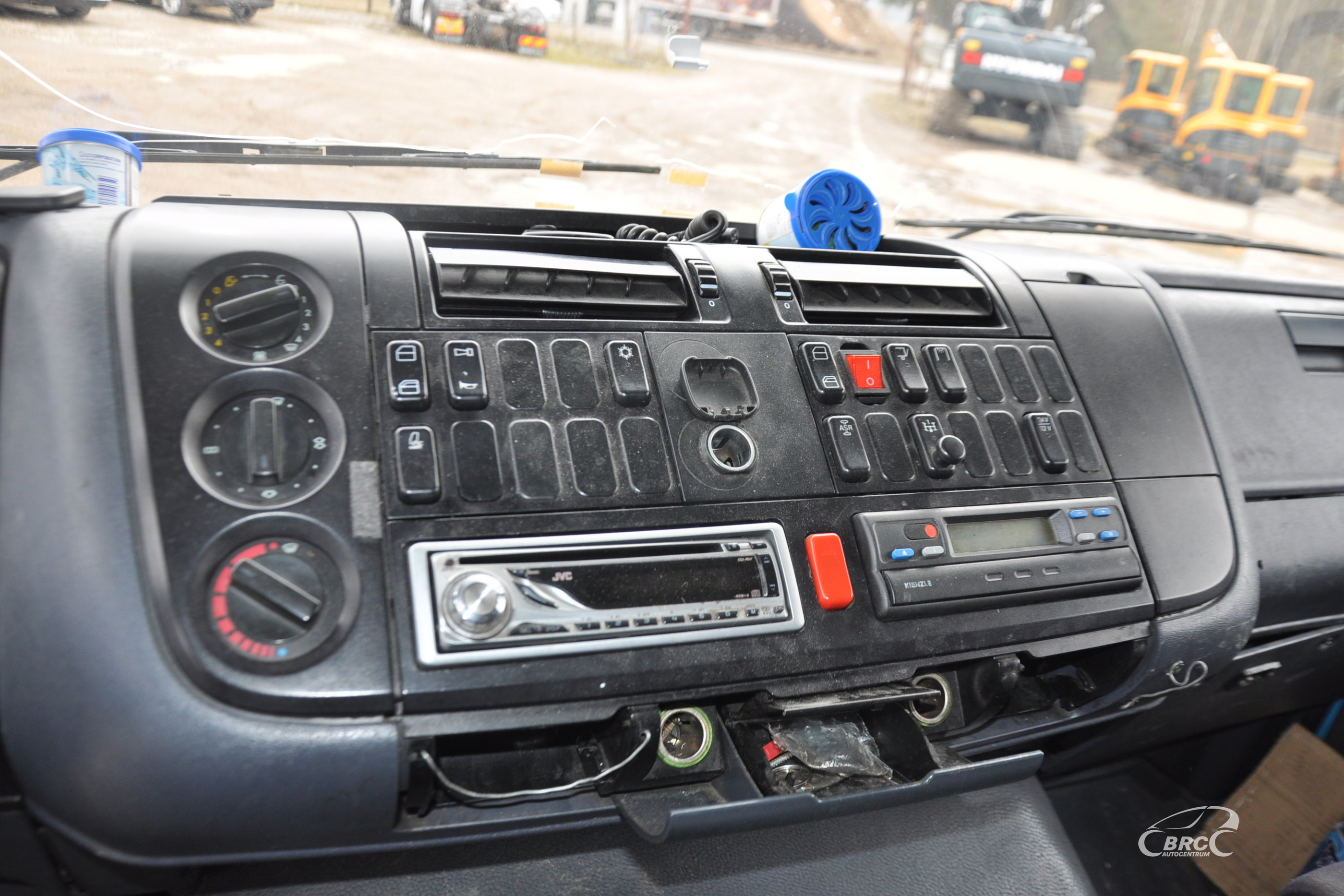 Mercedes-Benz 1223