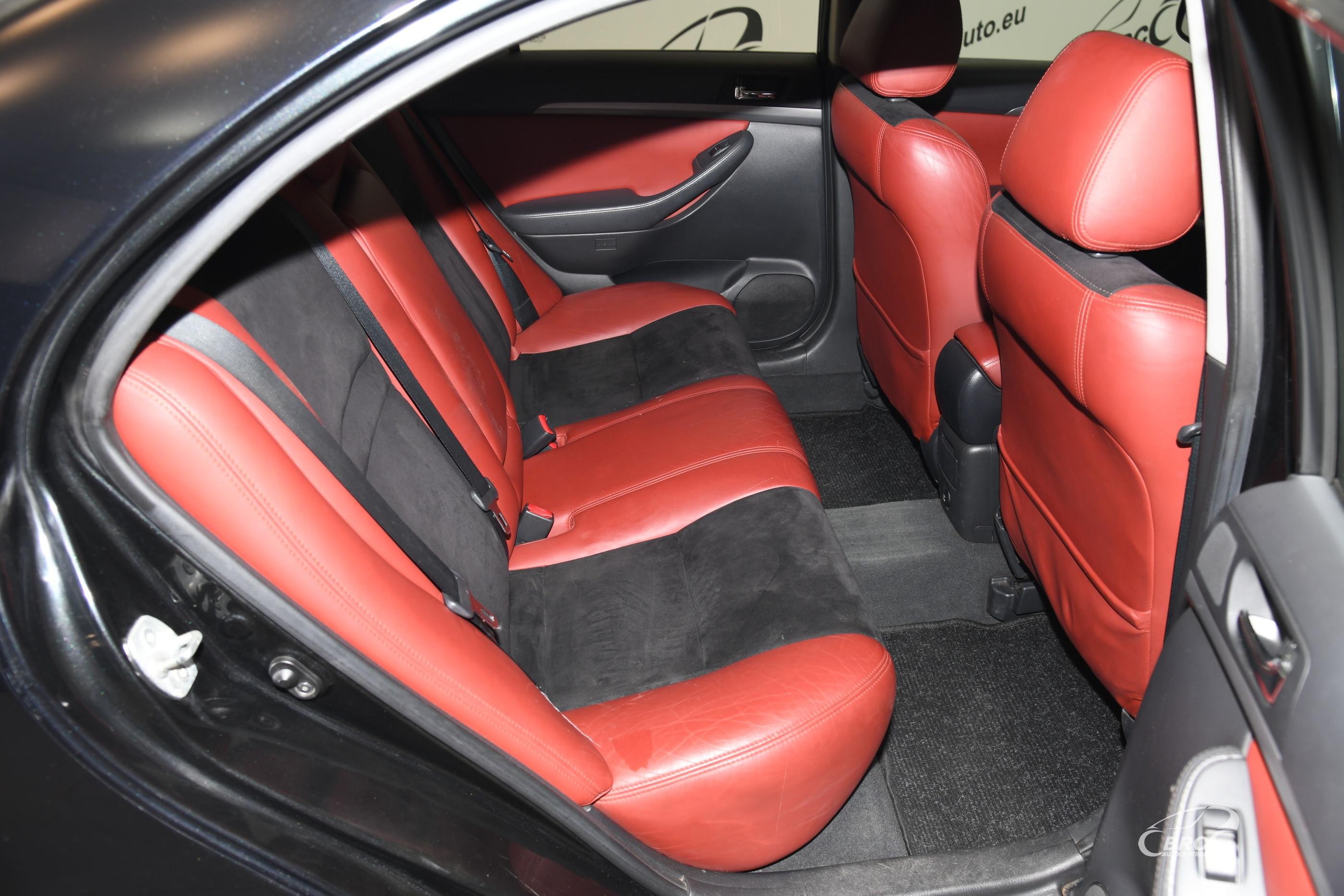 Toyota Avensis 2.0 D-4D Linea Sol