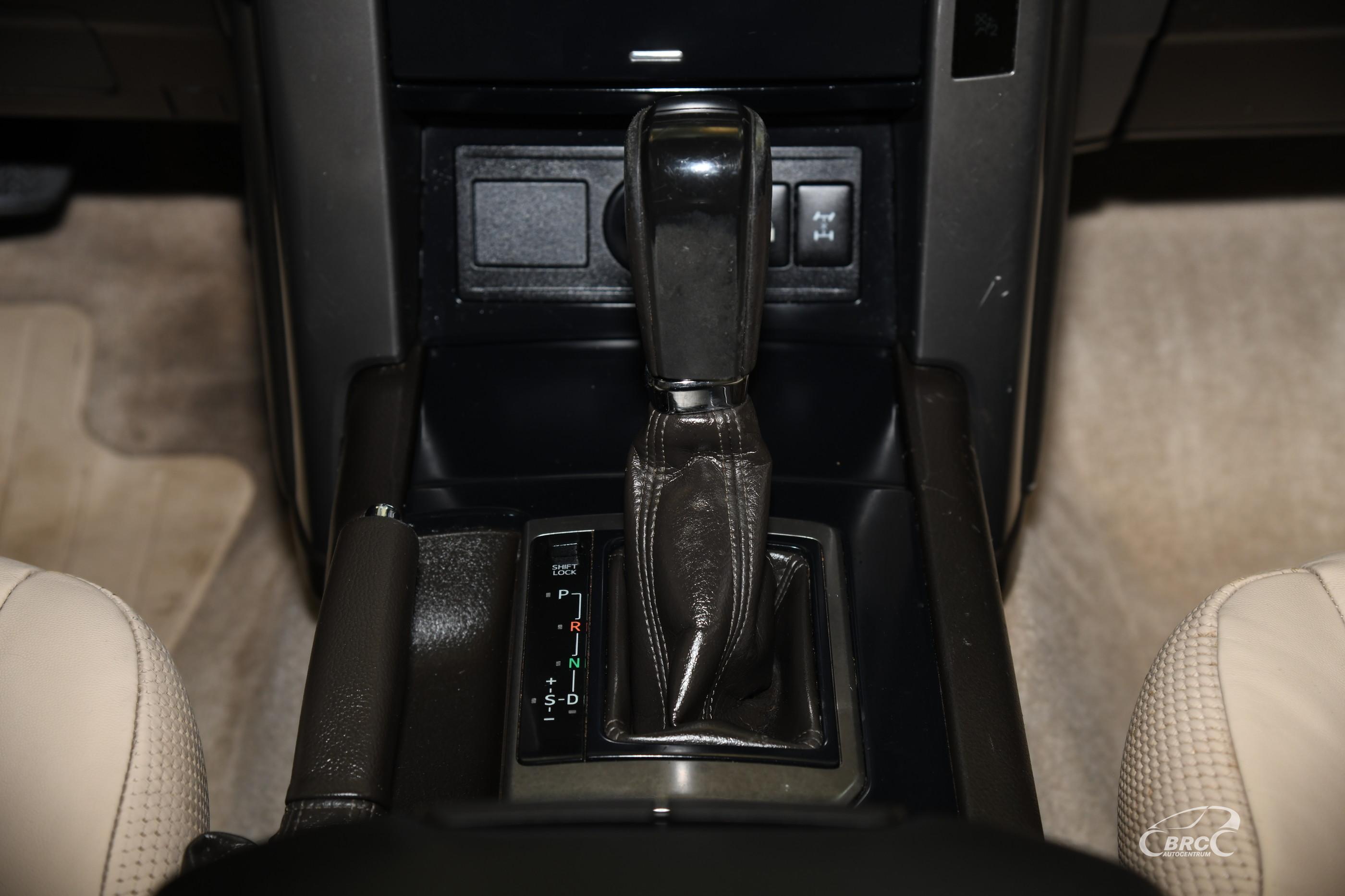 Toyota Land Cruiser 3.0 D4D AT Luxury Automatas