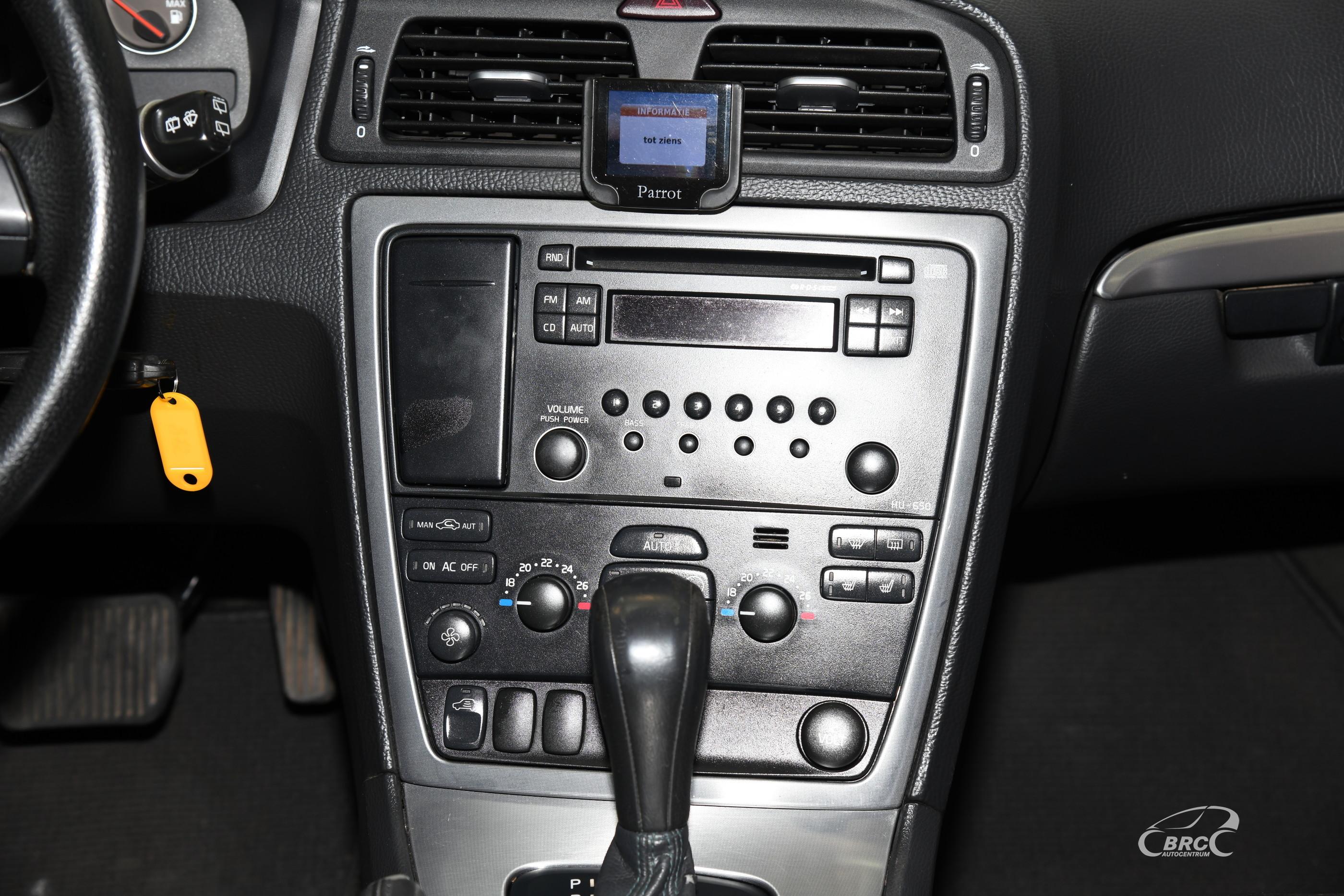 Volvo XC 70 2.4 D5 AWD Cross Country Automatas