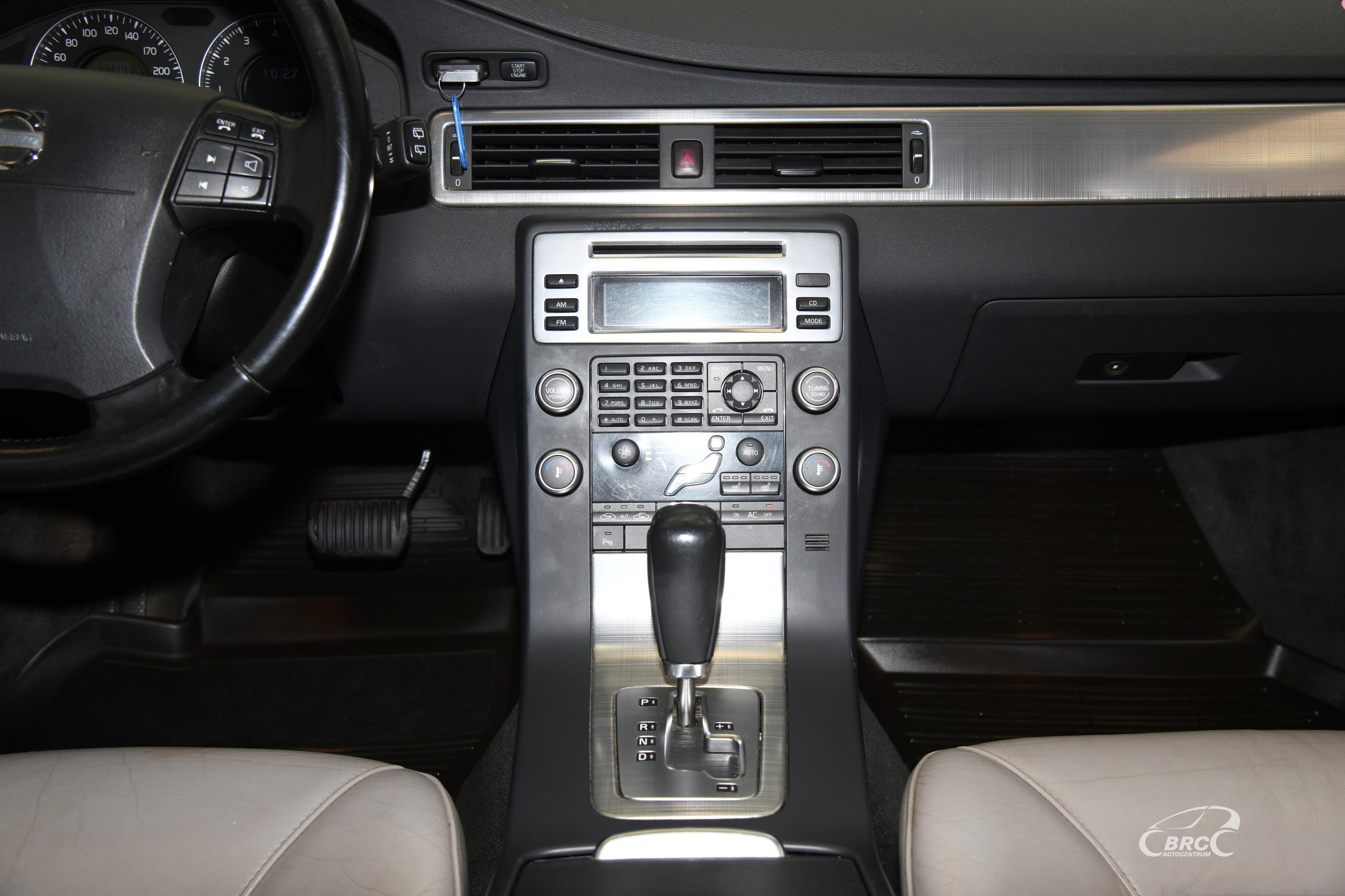 Volvo V70 3.2 DUJOS