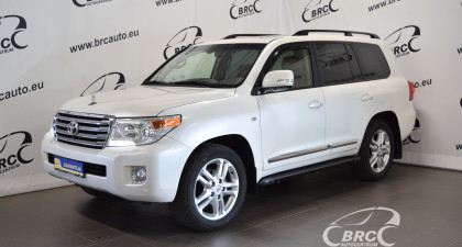 Toyota Land Cruiser 200 V8