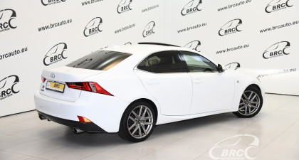 Lexus IS 200 Turbo F-Sport Automatas