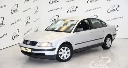 Volkswagen Passat 1.8 i