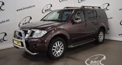 Nissan Pathfinder M/T 7 seats